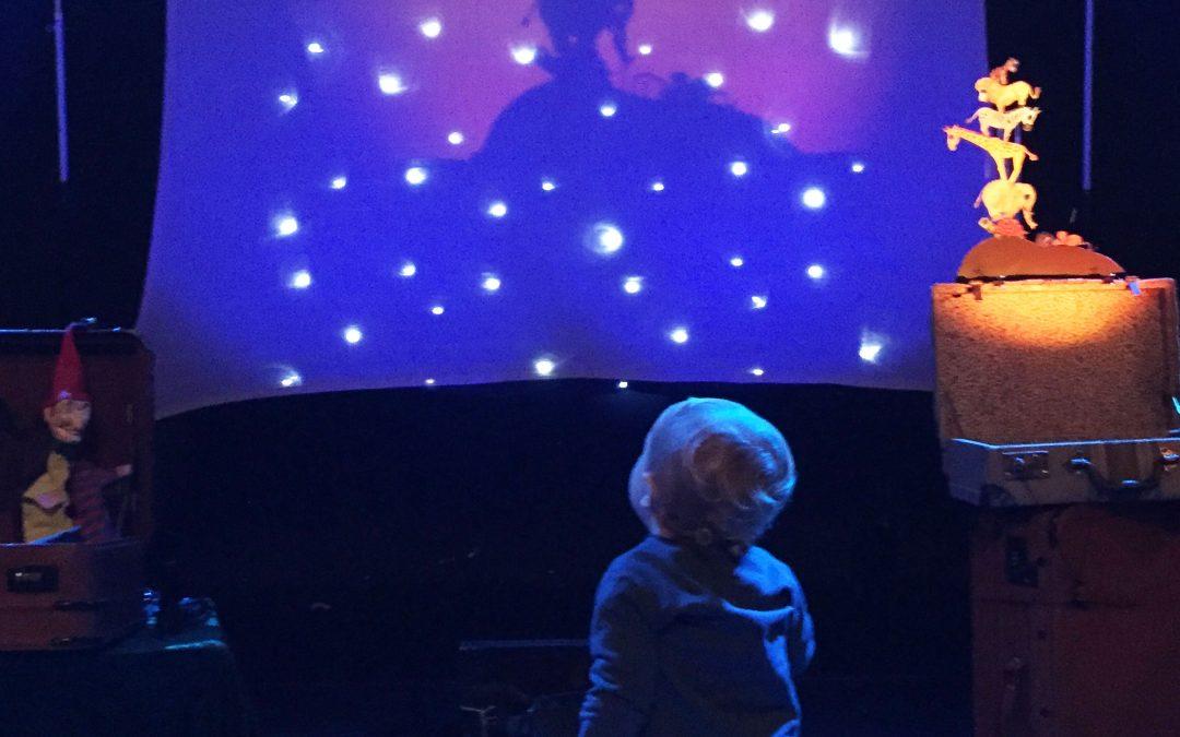 La compañía andaluza A la Sombrita cumple 20 años difundiendo la magia del teatro de sombras